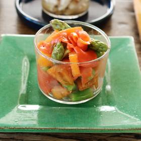 柿とサーモン、アスパラのサラダ
