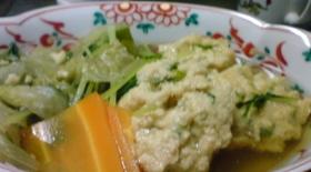 レタスと水菜の鶏団子汁
