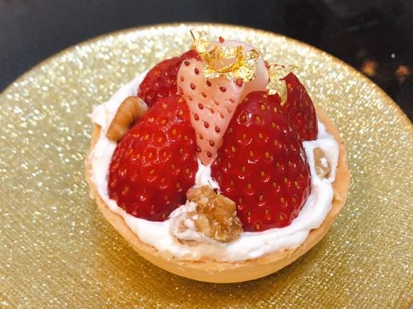 苺のチョコタルト