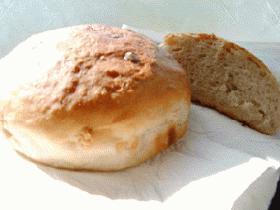 白神こだま酵母使用パン『赤いお酒に白いチョコ』