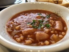 白いんげん豆とウインナーのトマトスープ