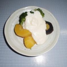 温野菜のホワイトチーズソース