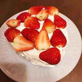イチゴのお誕生日ケーキ♡