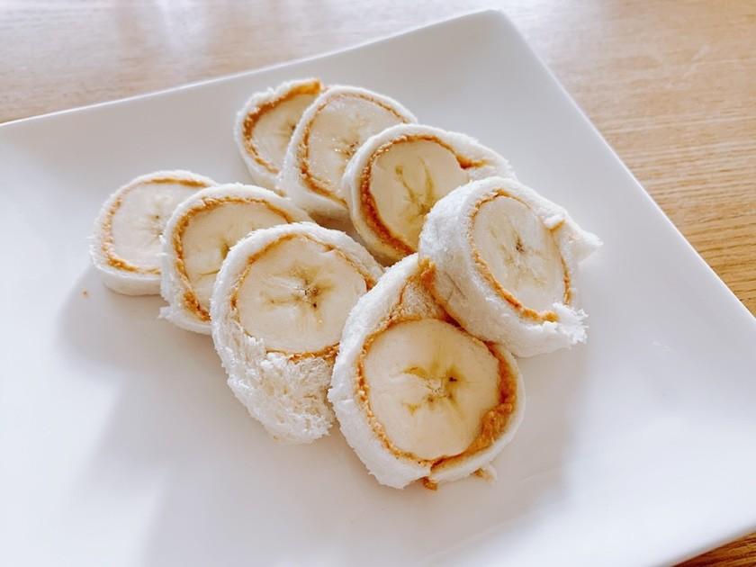 \離乳食完了期/バナナきなこロールサンド