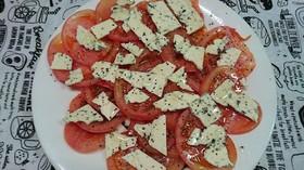 ブルーチーズトマトサラダ