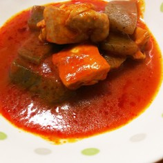 おっさんの蒟蒻、鶏肉のトマトジュース煮