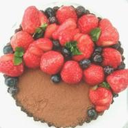 特別な日に!苺とオレオの生チョコタルト