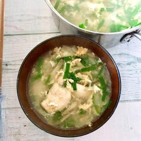 香ばし鶏肉のしょうがニラ玉スープ