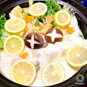 簡単うまい!鶏肉団子の豆乳レモン鍋☆☆