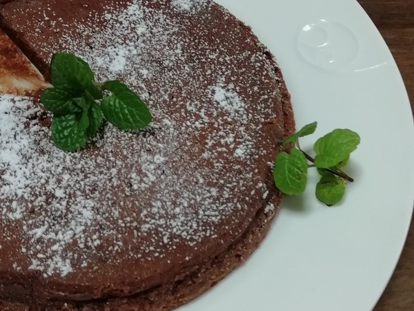 計量簡単☆濃厚生チョコケーキ