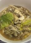 湯葉と茸と白菜の豚骨スープ煮