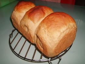 ノンオイル☆コーヒー豆乳ミニ食パン