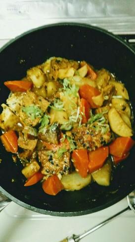 サバ味噌煮缶活用☆大根&厚揚のカレー煮