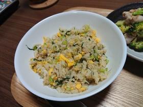 妊婦さんに♪小松菜とジャコの和風炒飯