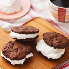 ココアクッキーホイップマリーム®サンド