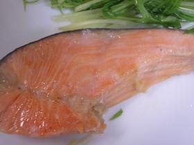 フライパンで♪簡単♪甘塩鮭の蒸し焼き♪