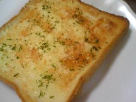お手軽♪粉チーズトースト