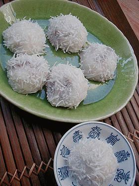 ピチさんに捧げる ~簡単点心 塩卵入りココナツ団子(ローマイチー)~