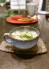 季節野菜入りワンタンスープ