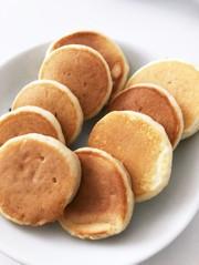 *離乳食後期*林檎のパンケーキの写真