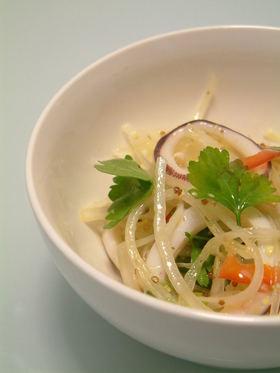 新玉ねぎで イカのマリネ風サラダ