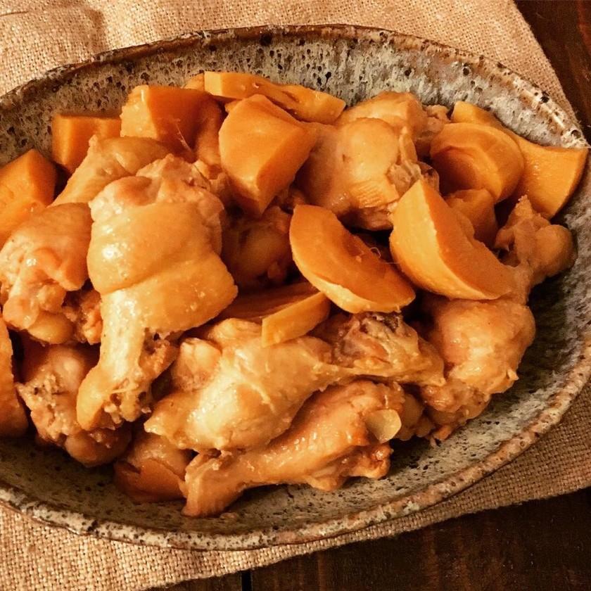 鶏手羽元とたけのこの煮物