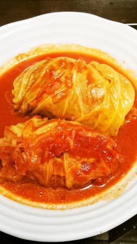 基本の完熟トマトソースでロールキャベツ