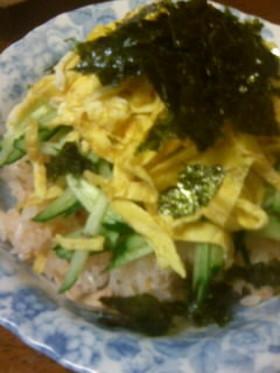 とびっこ&ツナのちらし寿司