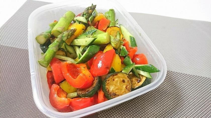 オニオン香る!彩り野菜のサラダ