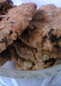 ライ麦&レーズンの香ばしクッキー。