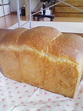 ライ麦食パン