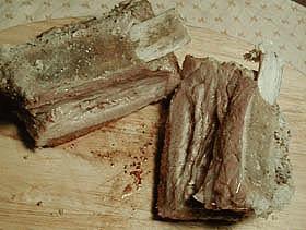 キッチン・ダッチャーへの道 ~骨付き豚肉の塩釜焼き~
