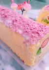 ひな祭りに✨生クリームと苺ムースのケーキ