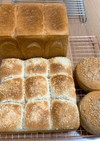 角食1.5斤パンと焼きカレーパンとバンズ