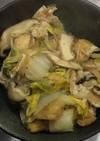 白菜と油揚げと茸の煮干し風味の煮物