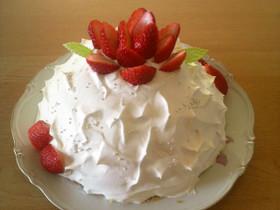 いちごのドームケーキ