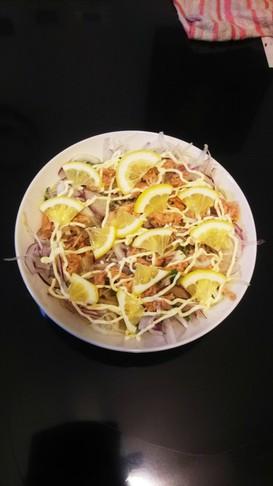 レモンと新玉ねぎのさっぱりツナ大葉サラダ