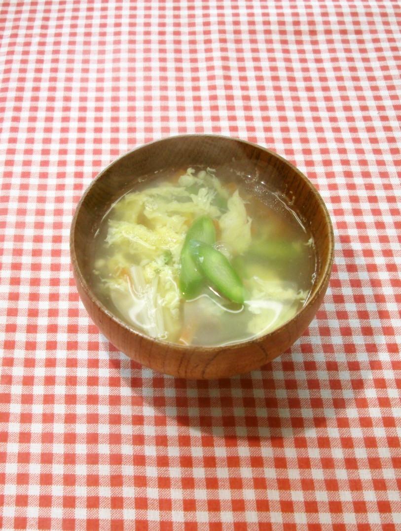 アスパラと卵の春色中華風スープ