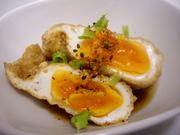 卵の油揚げ巾着煮の写真