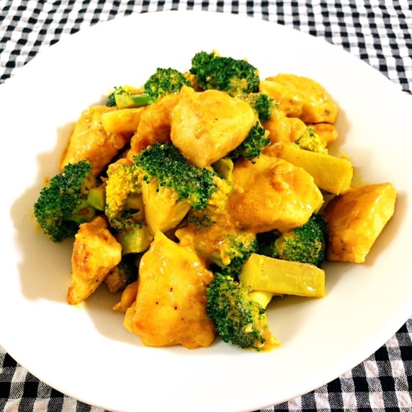ブロッコリーと鶏胸肉のカレーマヨ炒め❤