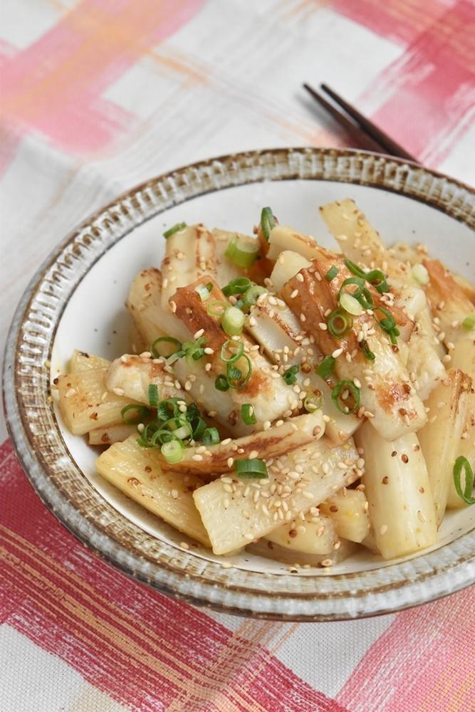竹輪と長芋の粒マスタード炒め