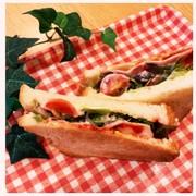 ベーコンのトーストサンドの写真