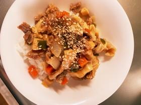 1人ランチ豚豆腐ケチャップ炒め丼レンジ