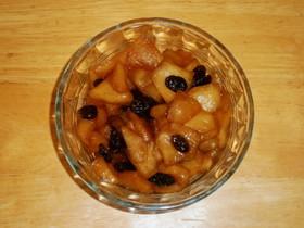 パンの材料 レーズン入りのリンゴ煮