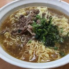 インスタントラーメンで牛肉麺 台湾