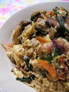 鰻とニラ、豆腐のスタミナ丼