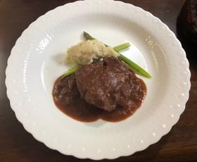 炊飯器で簡単!牛肉の赤ワイン煮