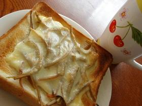 一味がピリッと きんぴら☆チーズトースト