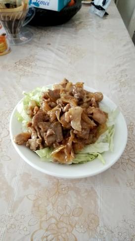 手作り甘辛だれのガッツリ肉丼☆