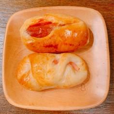 ソーセージパンとハムチーズパン